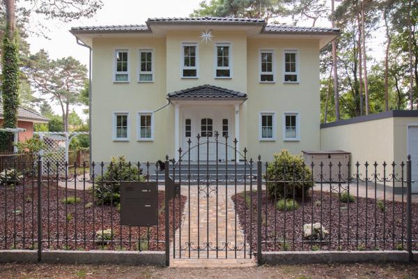 Das Eigenheim Mit Einem Vordach Verschönern