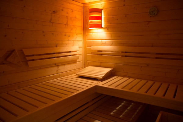 eigene sauna stromkosten schwimmbadtechnik. Black Bedroom Furniture Sets. Home Design Ideas